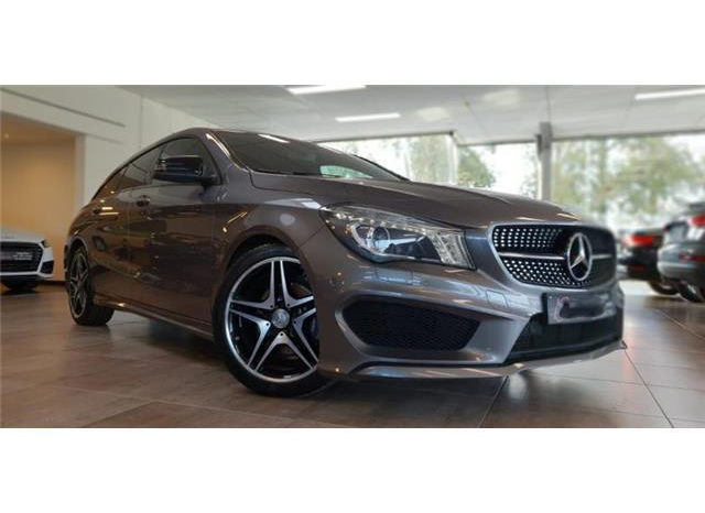 Mercedes-Benz CLA SHOOTING BREAK 200 d **PACK AMG plein