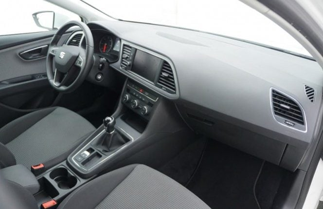 Seat Leon 1.6 TDi 115 Style + GPS + LED Lights + Camera complet